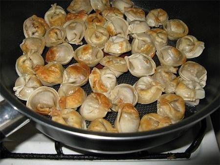 Приготовление пельменей с сыром в духовке