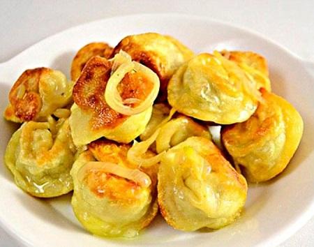 Жареные пельмени с сыром